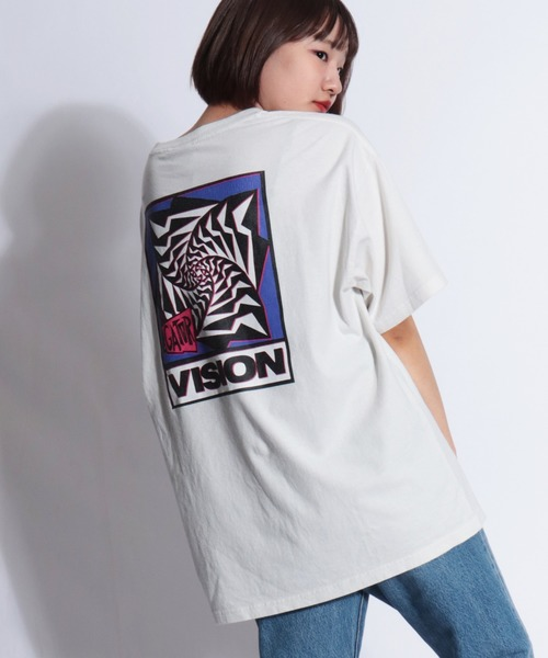VISION STREET WEAR(ヴィジョンストリートウェア)の「【VISION STREET WEAR】デザインプリント ヴィンテージ風 半袖Tシャツ(Tシャツ/カットソー)」 ホワイト系その他