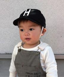 LITTLE GRIN BUDDY(リトル グリンバディ)の【LITTLE GRIN BUDDY(リトルグリンバディ)】ベビー用ロゴキャップ(あご紐付)/Baby Sim Logo Cap(キャップ)