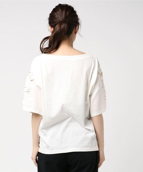 袖刺繍Tシャツ