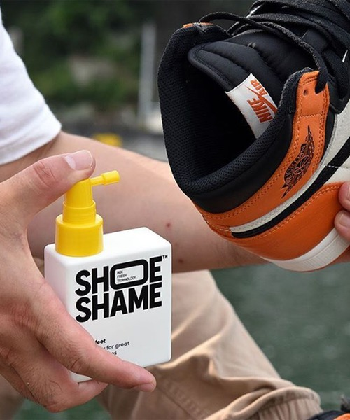 SHOE SHAME(シューシェイム)の「〈SHOE SHAME/シューシェイム〉Sweet feet/除菌消臭スプレー(シューケア用品)」|ホワイト×イエロー