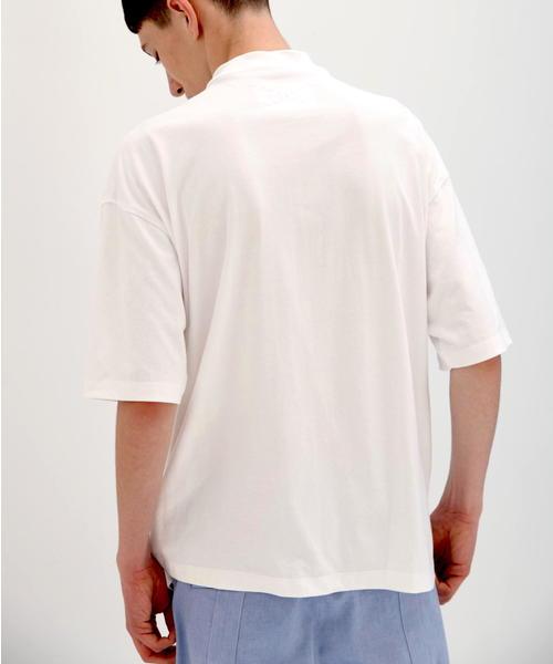 フロントジップ モックネックTシャツ