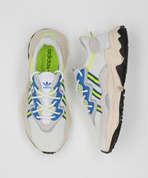 <adidas Originals(アディダス)>OZWEEGO スニーカー